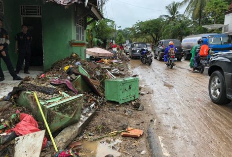 More Than 800 Houses Damaged